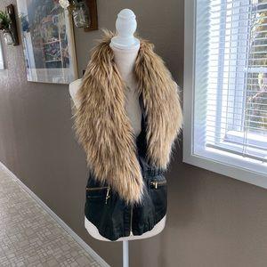 INC utility vest w/ detachable faux fur collar, M
